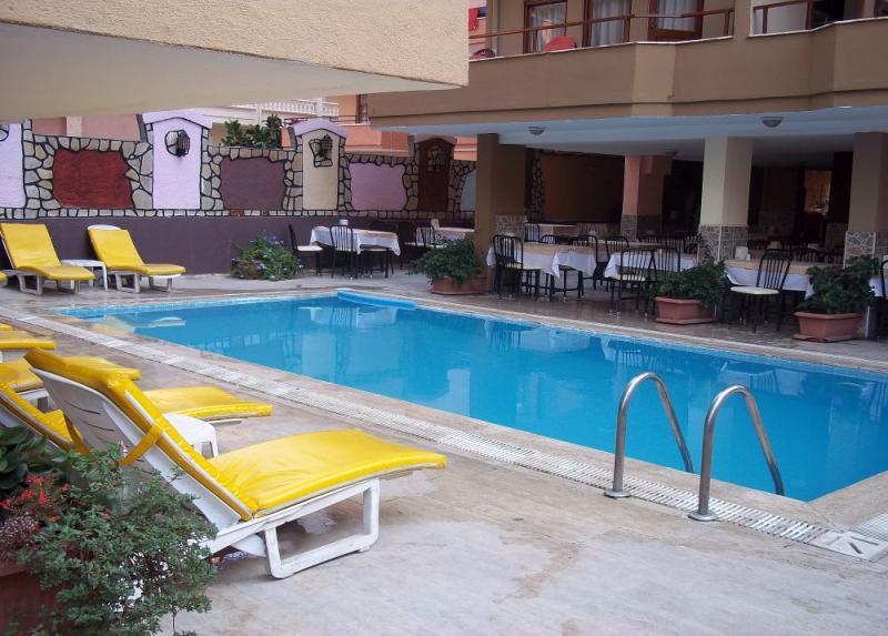 Kleopatra Alis Hotel / Kleopatra Alis Hotel