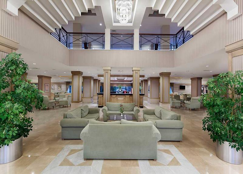 Meryan Hotel / Meryan Hotel