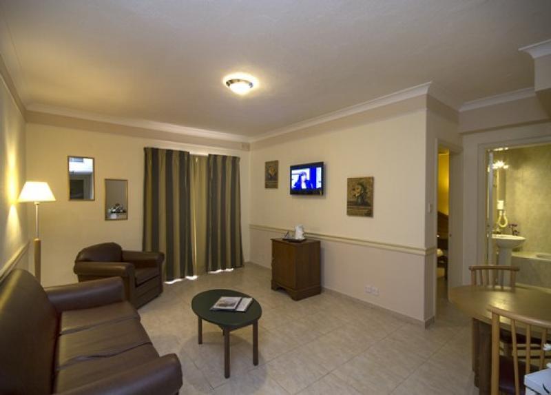 Soreda Hotel / Soreda Hotel