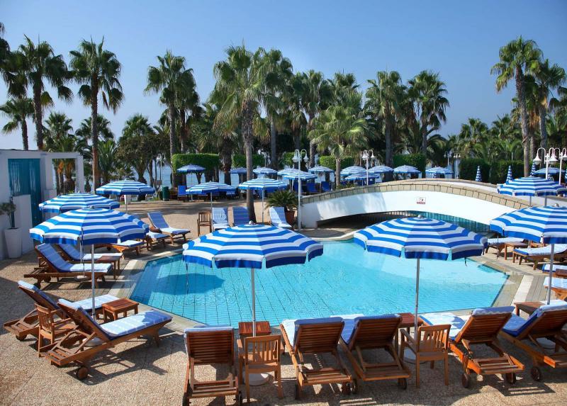 Grand Resort / Grand Resort