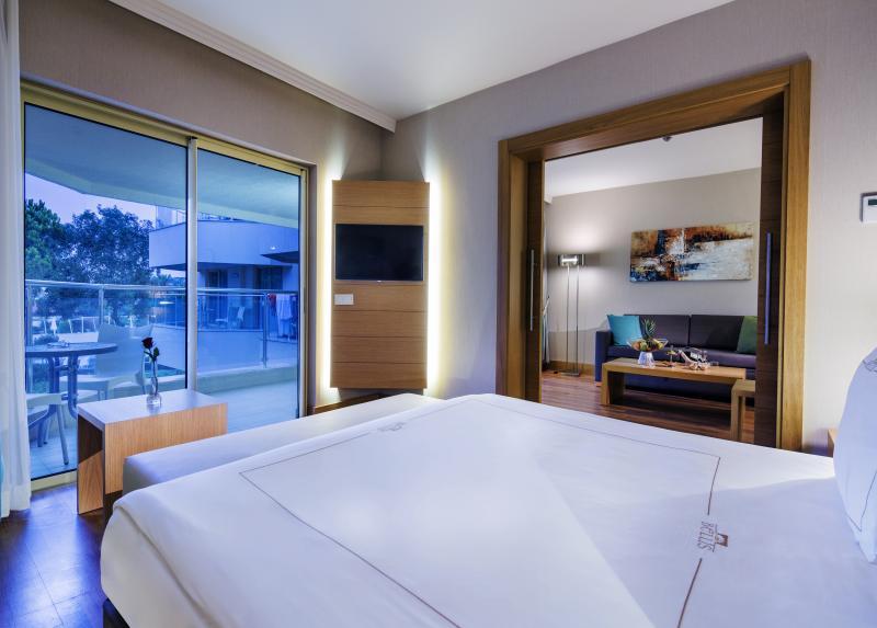 Bellis Deluxe Hotel / Bellis Deluxe Hotel