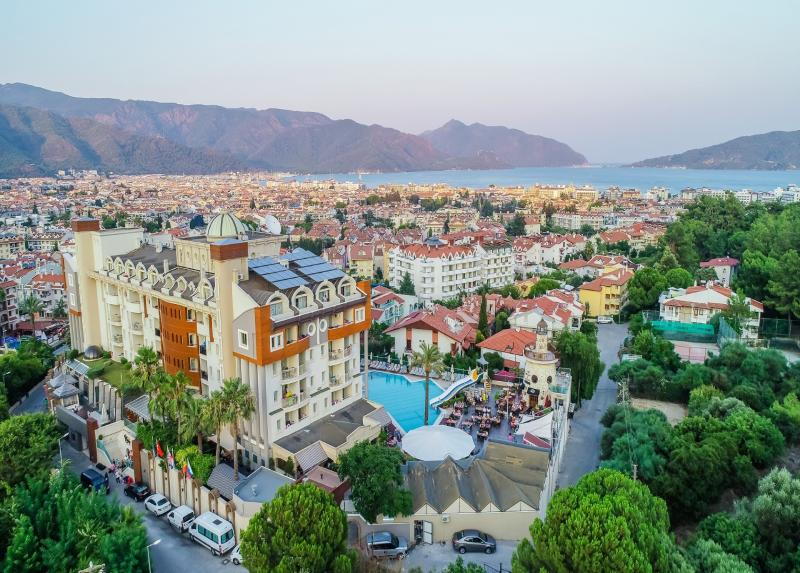 Grand Cettia Hotel / Grand Cettia Hotel