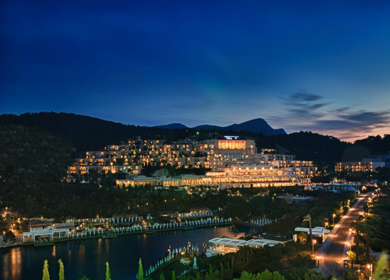 Hilton Bodrum Turkbuku Resort & Spa / Hilton Bodrum Turkbuku Resort & Spa