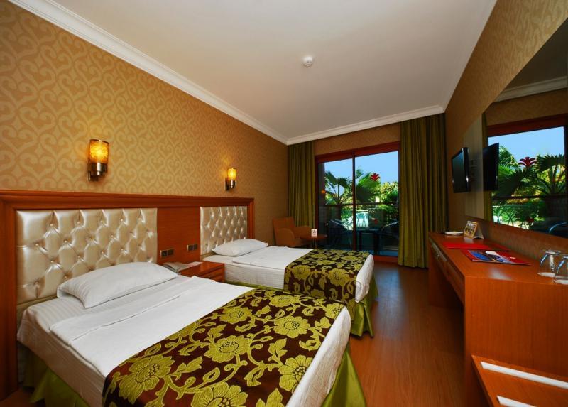 Pasabey Hotel / Pasabey Hotel