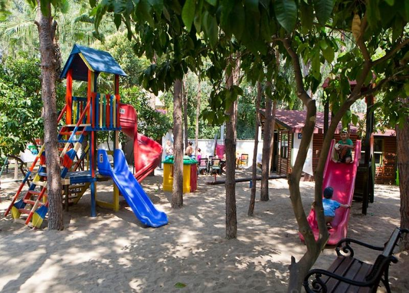 Larissa Akman Park / Larissa Akman Park