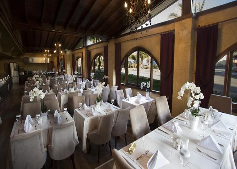 Le Chateau Lambousa Hotel / Le Chateau Lambousa Hotel