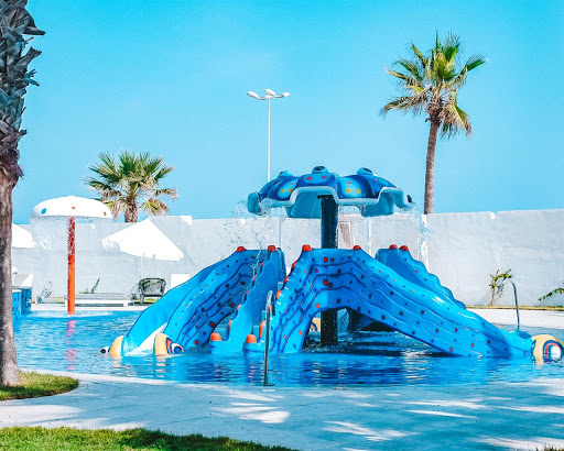 Tunis će Vas Očarati Dugim Peščanim Plažama