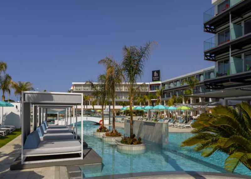 Faros Hotel / Faros Hotel