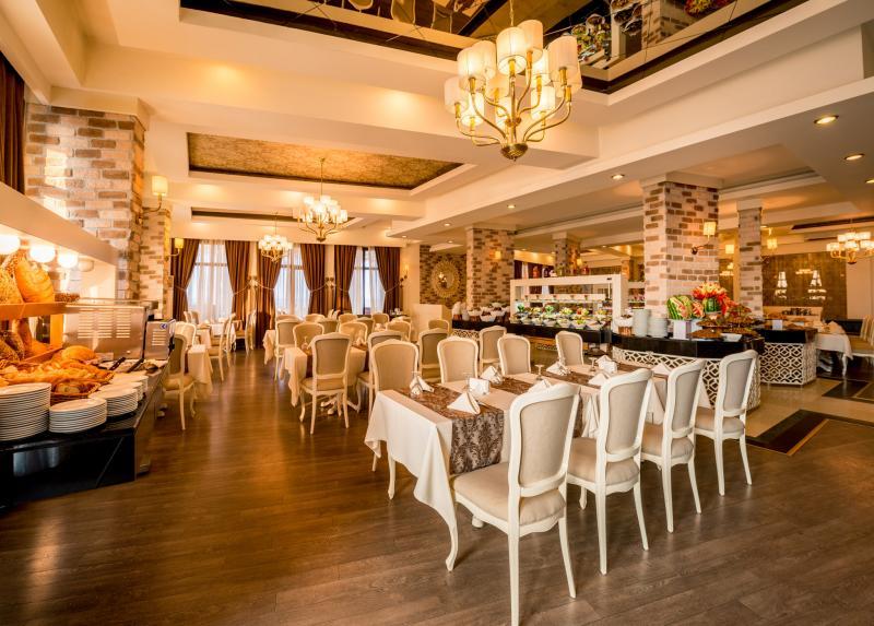 Vuni Palace Hotel & Casino / Vuni Palace Hotel & Casino