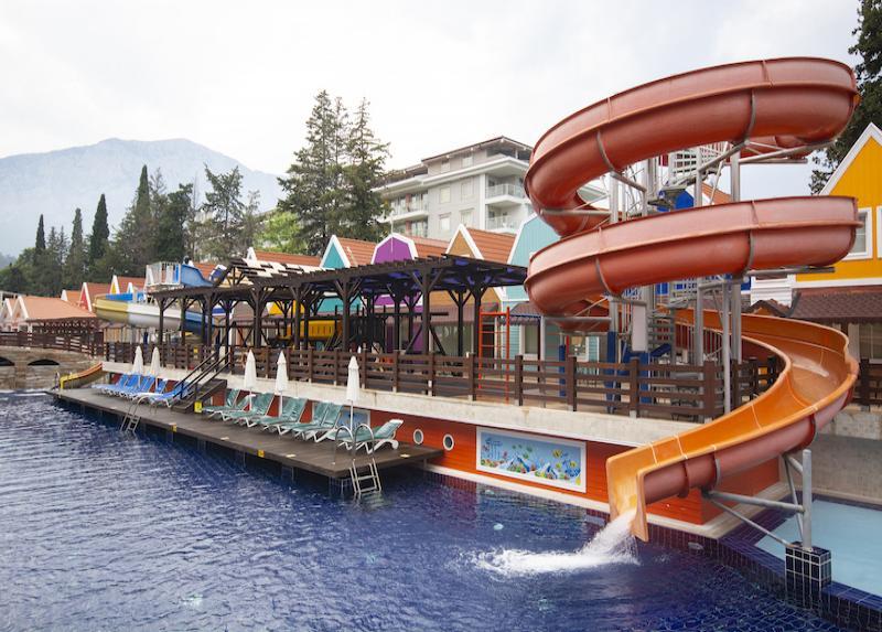 Orange County Resort / Orange County Resort