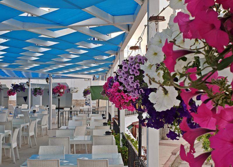 Sky Vela Hotel / Sky Vela Hotel