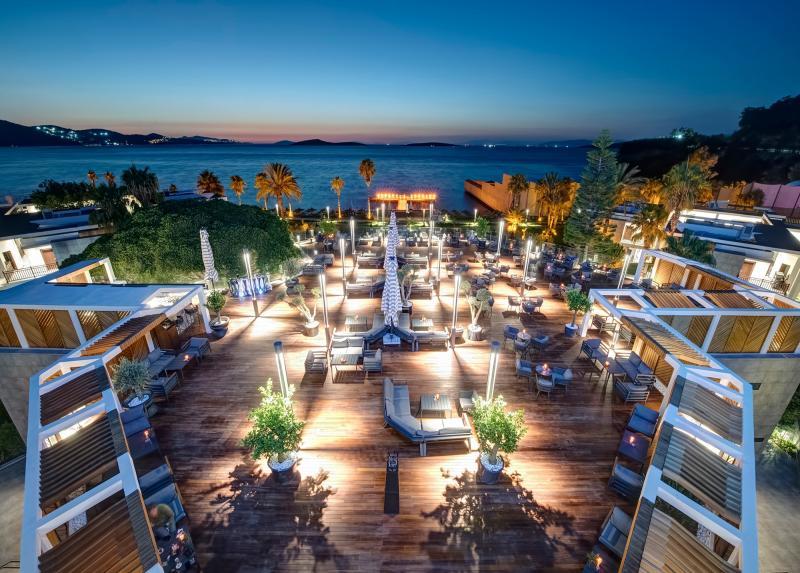 The Oba Hotel / The Oba Hotel